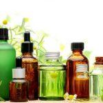 botellas con soluciones cosméticas