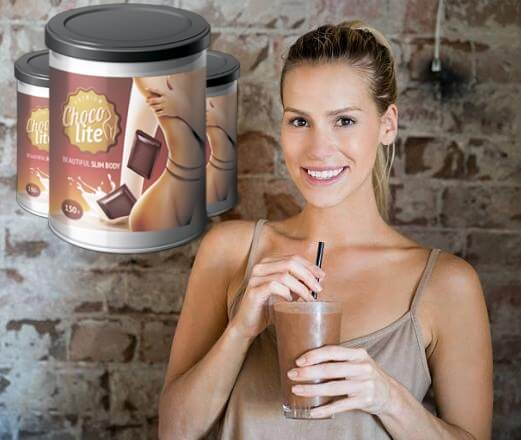 choco lite, mujer feliz con batido de chocolate