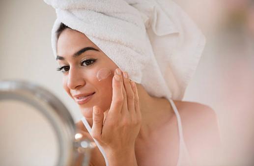 mujer, cuidado de la piel, tipo de piel