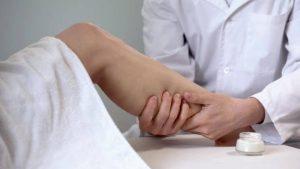 7 Consejos sobre cómo cuidar las venas varicosas en casa