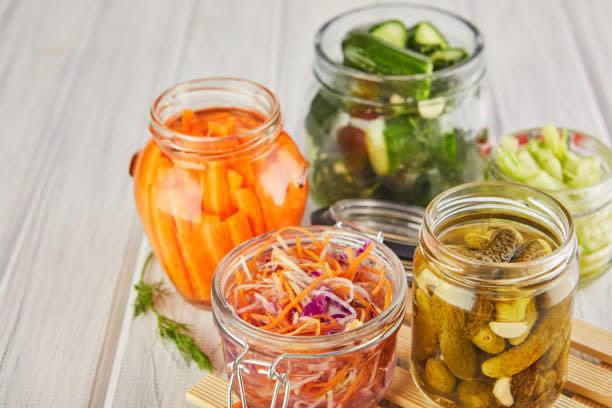 Sauerkraut y pepinos